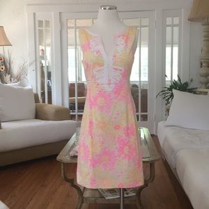 Lilly Pulitzer Size 2.  Gorgeous summer dress